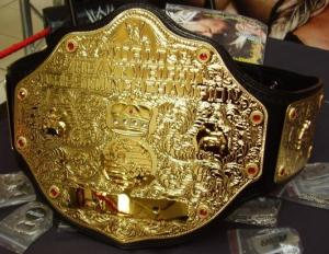 WWE's World Heavyweight Championship belt, used from en:March en:2003 to present.